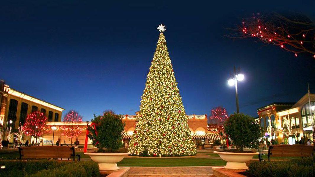The Greene Christmas Tree Lighting 2020 Christmas tree lighting at The Greene near Dayton