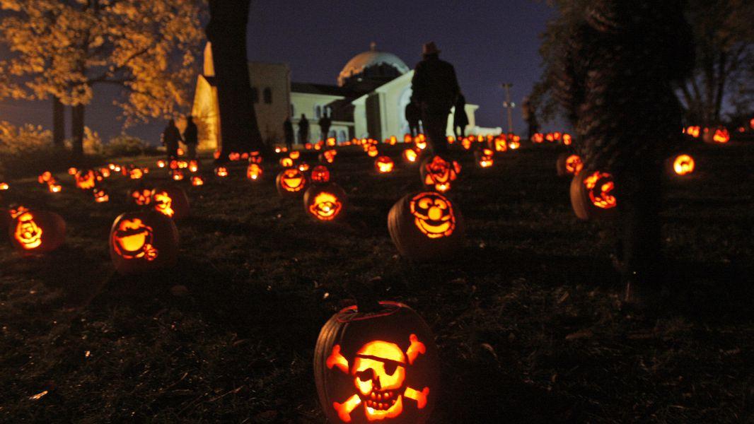 Dayton Halloween 2020 Stoddard Avenue Pumpkin Glow 2020 canceled due to pandemic