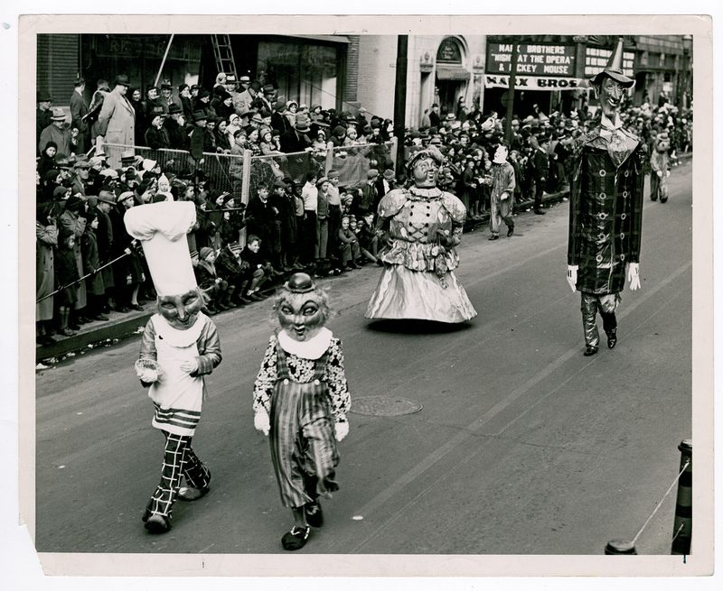 Jack Spratt and his wife were part of the 1935 Rike's Thanksgiving Day Parade. PHOTO COURTESY OF THE OHIO HISTORY CONNECTION